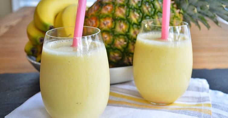 ananaslı smoothie